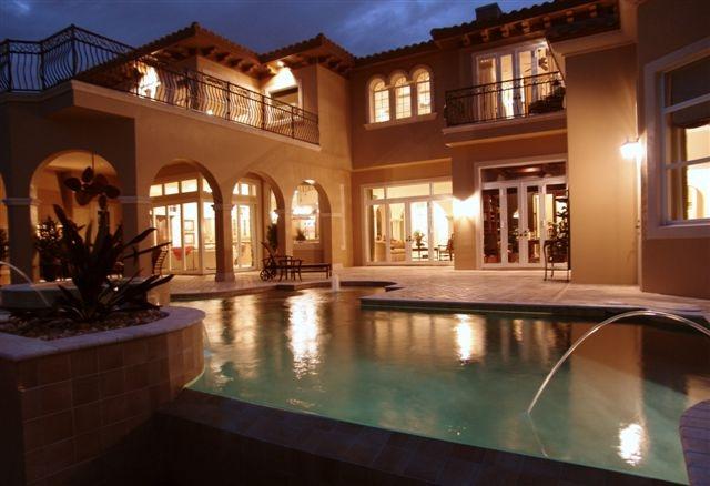Luxury Home Gallery 04 - 01