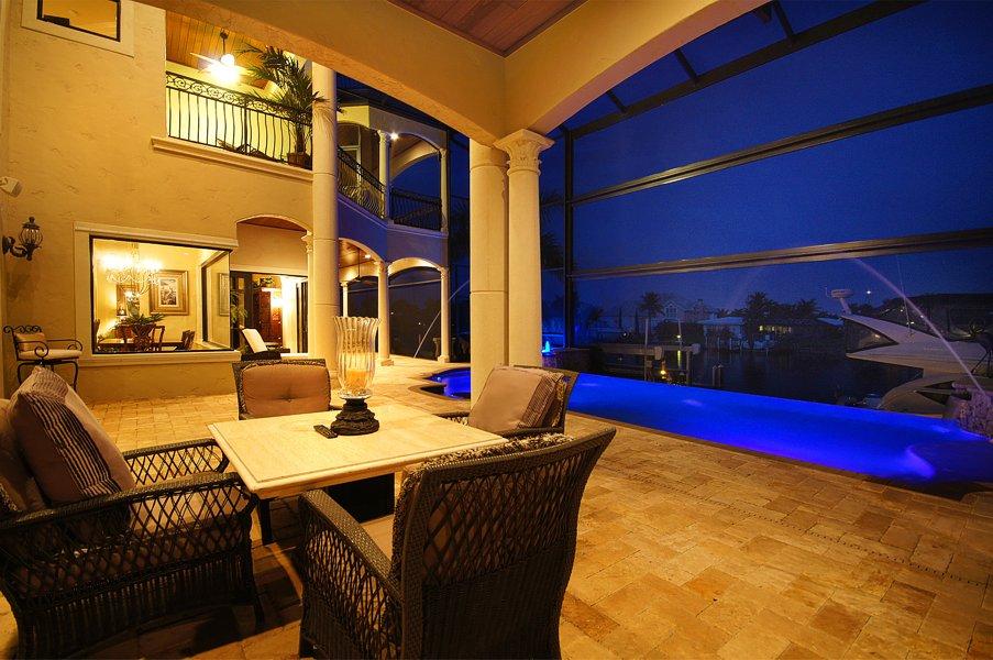 Luxury Home Gallery 06 - 08